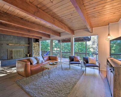 NEW! Woodsy Hideaway w/ Deck ~ 1 Mi to Village! - Cedar Glen