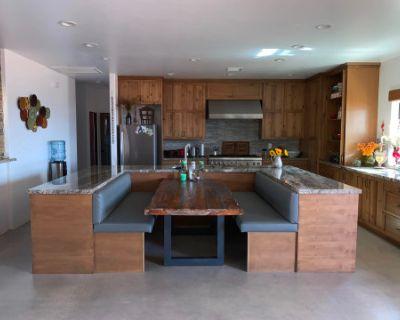 Beautiful Private Home in a Desert Oasis, Pioneertown, CA