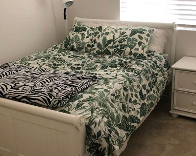 Private room with shared bathroom - Calimesa , CA 92320