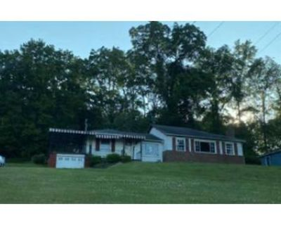 3 Bed 1 Bath Foreclosure Property in Carmichaels, PA 15320 - Glade Run Rd