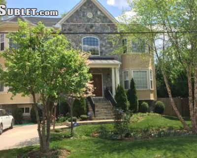 $24000 5 single-family home in Annandale