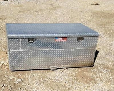 91 gal Aluminum Diesel Fuel Auxiliary Tank With Toolbox