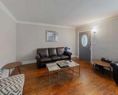 Room for Rent - a 3 minute walk to bus 813, Atlanta, GA 30310 1 Bedroom House