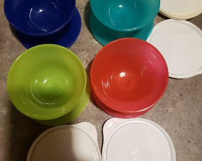 Tupperware lot swipe to see all of it