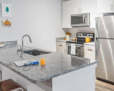 Private 1 Bed 1 Bath Across the Street from UNR