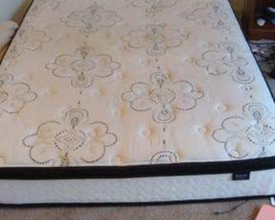 queen mattress - Free