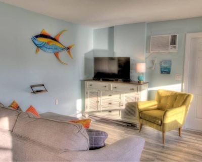 4 Beach Access, Close to Time's Square, On water - Fort Myers Beach