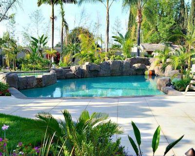 Incredible Estate 6 Bedrooms 4 bathroom w/Resort Style Rock Pool & Jacuzzi - Fullerton