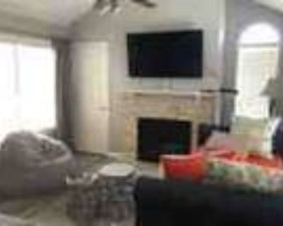 Furnished 1 Bed 1 Bath Condo With Open Floor Plan