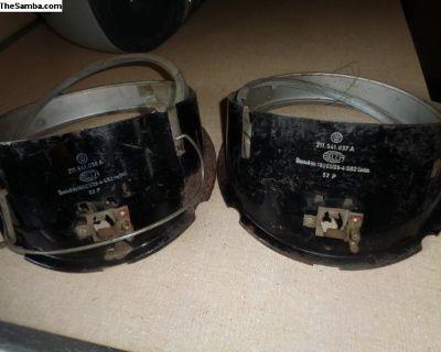 Pr. Headlight buckets