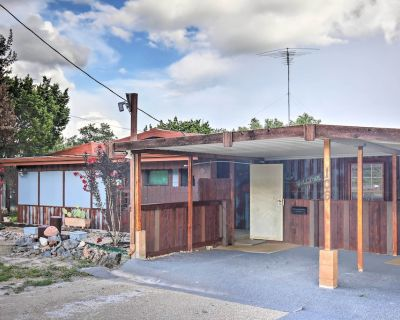 New! Eclectic House w/ Fire Pit & Garden Oasis! - Kerrville