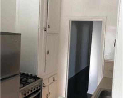 2 Bed 2 Bath in quite Beverly Hills