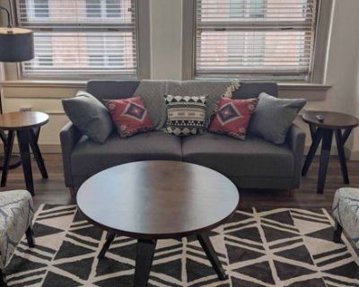 Luxury 1BR Wichita Flat with Pool and Gym + Parking