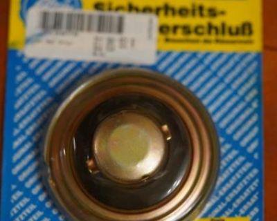 Gas Cap - Locking Blau (211 201 551 R) German