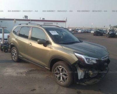 Salvage Green 2019 Subaru Forester