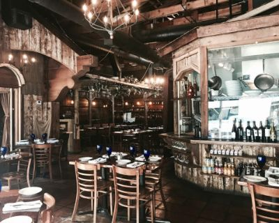Hip Downtown Restaurant with Rustic Wood Interior and Full Craft Bar, San Jose, CA