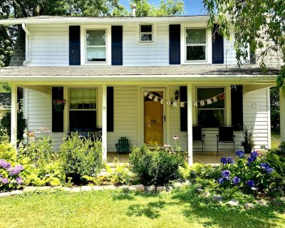 Charming cottage by the lake - Town of Brant