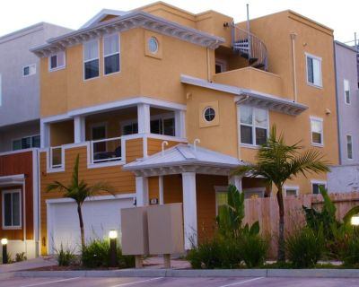 *Beach View Luxury Property In Downtown Pismo - Walk To Everything ! - Downtown Pismo Beach