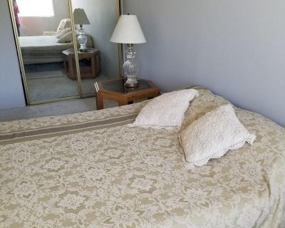 Furnished Room For Rent - Blocks to Beach