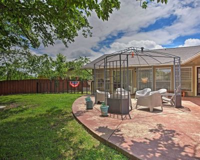 NEW! Charming Home - 15 Miles to Downtown Dallas! - Irving