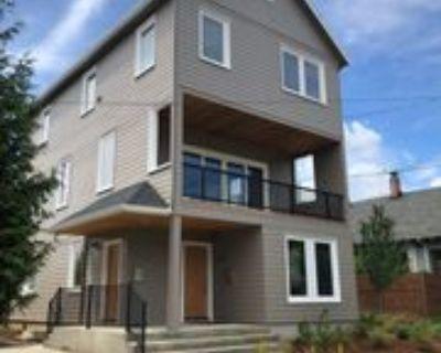 2010 N Farragut St #A, Portland, OR 97217 3 Bedroom Apartment