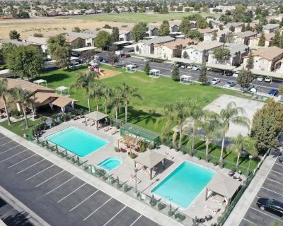 GATED 2 Bedroom/1.5 Bath Townhome FURNISHED - Bakersfield