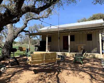 Private Cabin on Horse Farm in the Hill Country - Kerrville