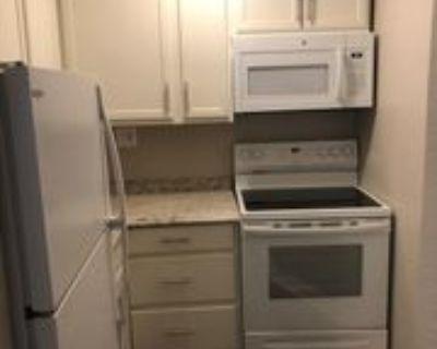 4039 Charlotte St #5, Kansas City, MO 64110 1 Bedroom Apartment