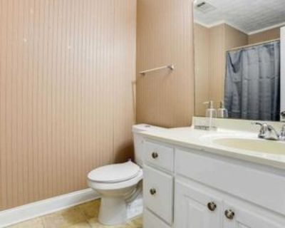 Room for Rent - a 8 minute walk to bus stop Flint, Riverdale, GA 30274 2 Bedroom House