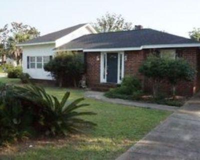 301 Se Syrcle Dr, Warrington, FL 32507 3 Bedroom House