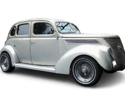 1937 Ford 4-Dr Sedan
