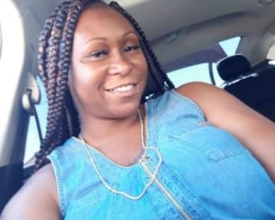 Loretta, 32 years, Female - Looking in: Lancaster CA