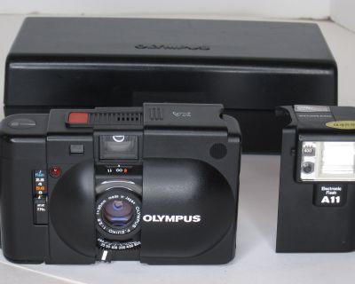 FS: Olympus XA Camera with A11 Flash and Box