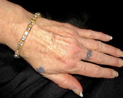 Beautiful Gold Tone Diamond like Stones Bracelet