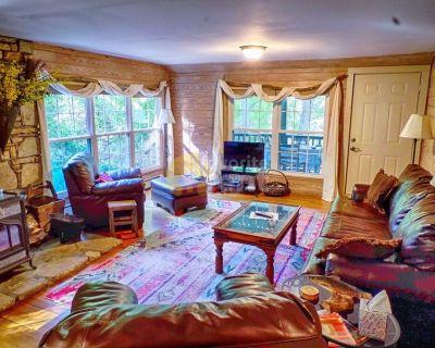 Broad River 3 bedrooms 2 full baths cabin Black Mountain