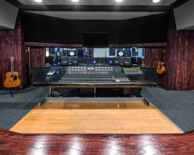 World Class Recording Studio with State of the Arc Modern and Vintage Equipment, North Hollywood, CA