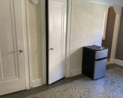 1767 N Arlington Pl #22, Milwaukee, WI 53202 Studio Apartment