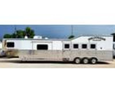 """2021 Bloomer 4H 15'9"""" LQ, Pod, 18ply Continental Tires-ON ORDER 4 horses"""
