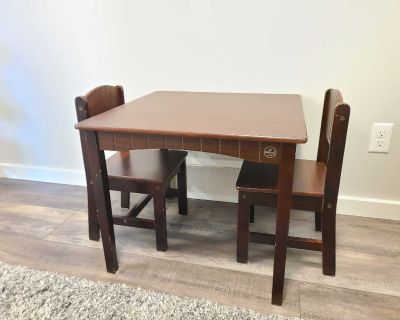 Kid Craft Farmhouse table and chairs