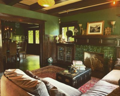 Gorgeous 1909 historic craftsman meets victorian home with enchanting design and antique collection in Mid City/ west adams, los angeles, CA