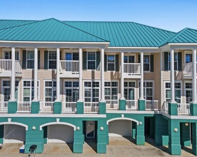 Handicap Accessible Studio! Location! Perfect Right off Front Beach - Long Beach