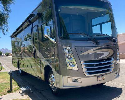 2019 Thor Motor Coach Miramar 35.2