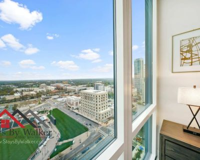 High Rise Lux Condo King Bed 28th Floor Great Views! - Third Ward