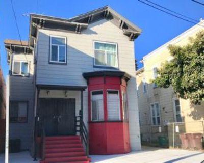 672 8th St, Oakland, CA 94607 3 Bedroom Apartment