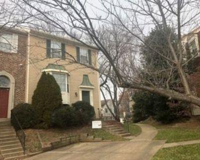 9602 Blake Ln #1, Oakton, VA 22031 3 Bedroom Apartment