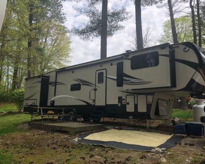 2017 Keystone Montana High Country 375FL