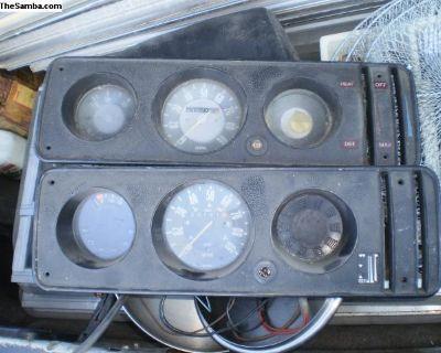 Speedo dash gauge cluster bay gas unit 68-79