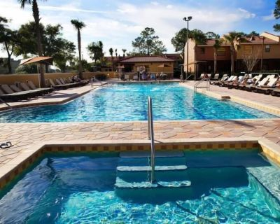 FANTASTIC DEAL! 2 CHIC 2BR UNITS! WATER PARK, GYM, BEACH VOLLEYBALL, TENNIS - Kissimmee