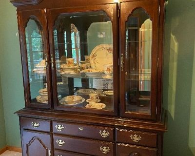 Hiram Estate Sale - Private - New Owner Anxious to Move In!!!