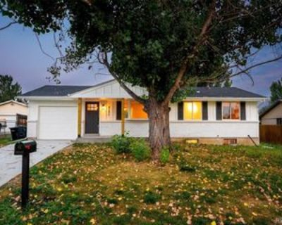 8286 Fenton Way, Arvada, CO 80003 4 Bedroom Apartment